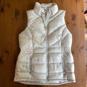Athleta Puffy Vest